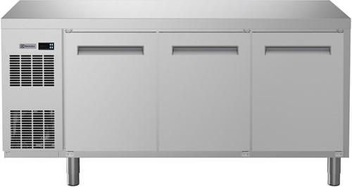 ELECTROLUX KOELWERKBANK 440 L- 3 DEUREN- VLAK BLAD- R290
